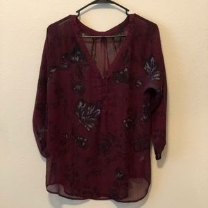 Burgundy and black flowered 3/4 length sleeve top